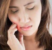 Боль при имплантации зубов