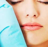 Почему опухают щеки